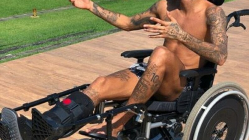 Neymar, Stephen Hawking, tribut