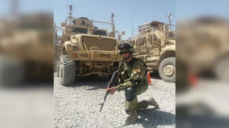 Luptă în Afganistan ca să aibă bani pentru a-şi trata copilul bolnav. \