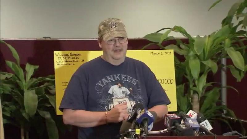 Un bărbat care a câștigat 273 mil. $ la loto a pierdut biletul. Ce a făcut când și-a dat seama