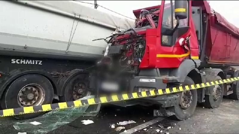 Accident cu 2 TIR-uri, în Argeș
