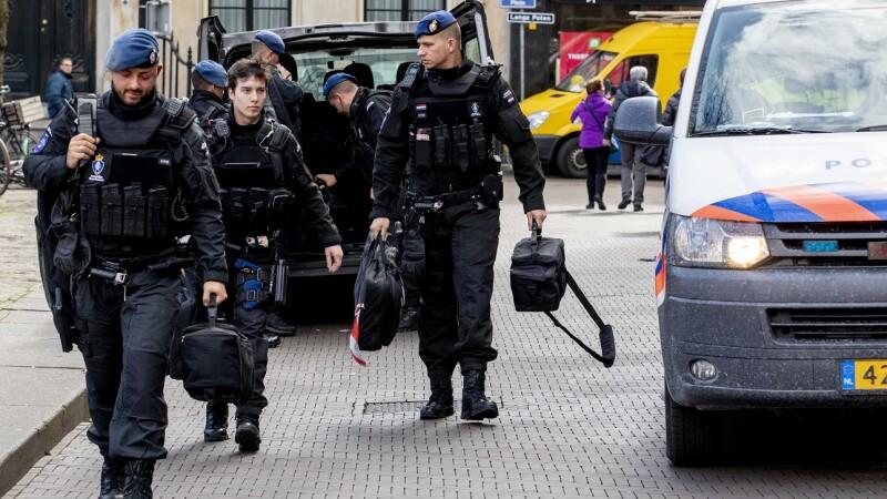Atac armat în Olanda, cu 3 morţi şi mai mulţi răniţi. Atacatorul turc a fost prins