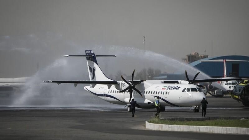 Un avion a luat foc pe aeroportul din Teheran, cu 100 de pasageri la bord