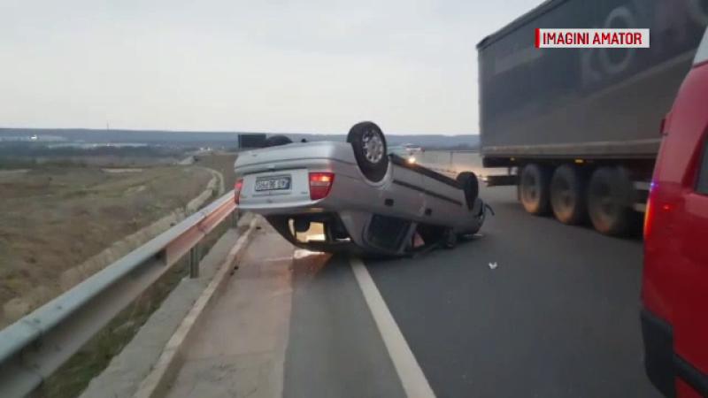 Şoferiţă din Argeş, la spital după ce a provocat un accident. Ce făcea în timp ce era la volan