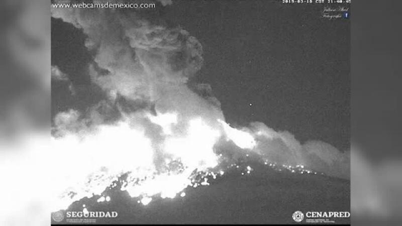 Vulcanul Popocatepetl din Mexic, una dintre cele mai mari eruptii din ultimii ani