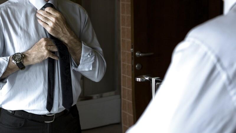 Povestea bărbatului care are fobie de oglinzi