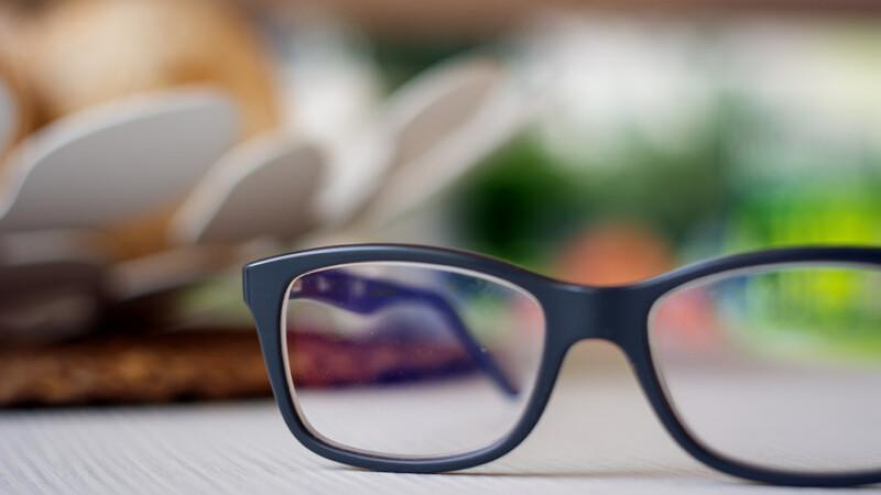 Bărbat condamnat la 5 ani de închisoare pentru că nu purta ochelari
