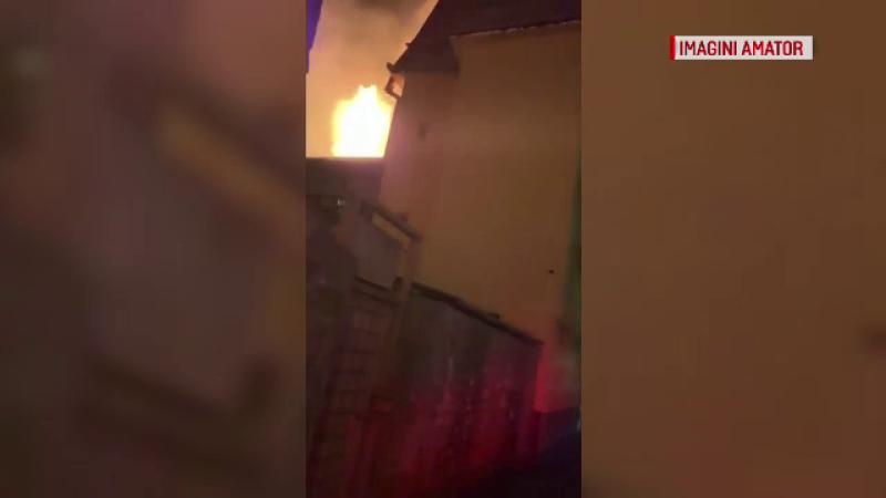 Incendiu la un restaurant din Vâlcea. Patronul s-a luptat singur cu flăcările