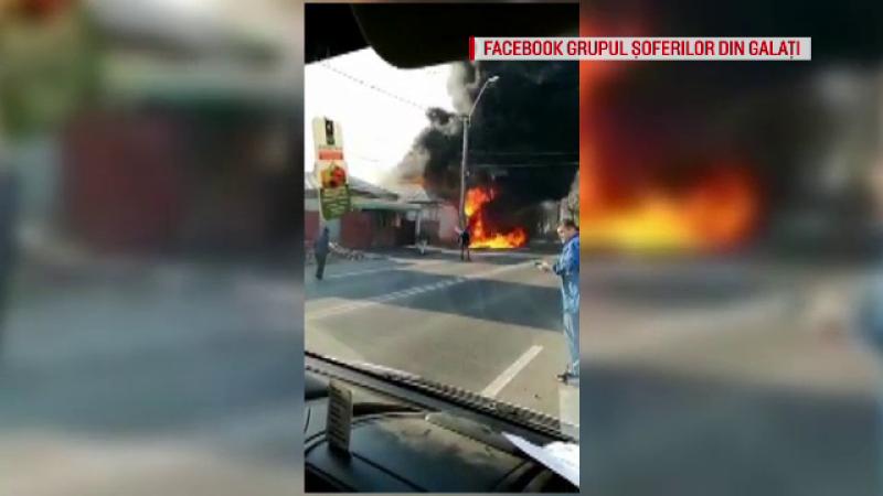 Incendiu puternic la un service auto din Galați. Focul ar fi fost pus intenționat