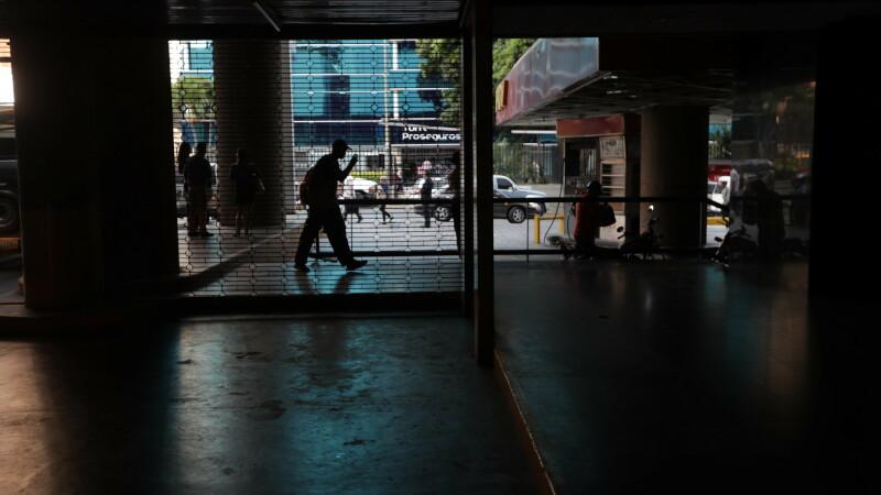Venezuela se confruntă cu o nouă pană de curent la nivel național. GALERIE FOTO