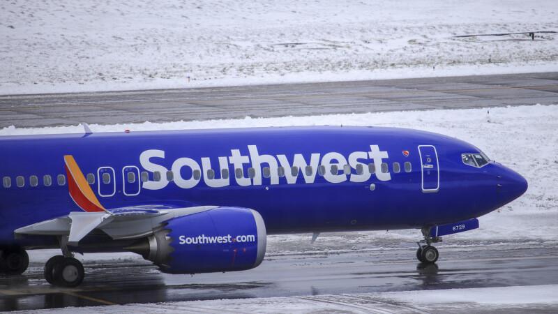 Aterizare de urgență a unui Boeing 737 MAX 8. Ce s-a descoperit la unul din motoare