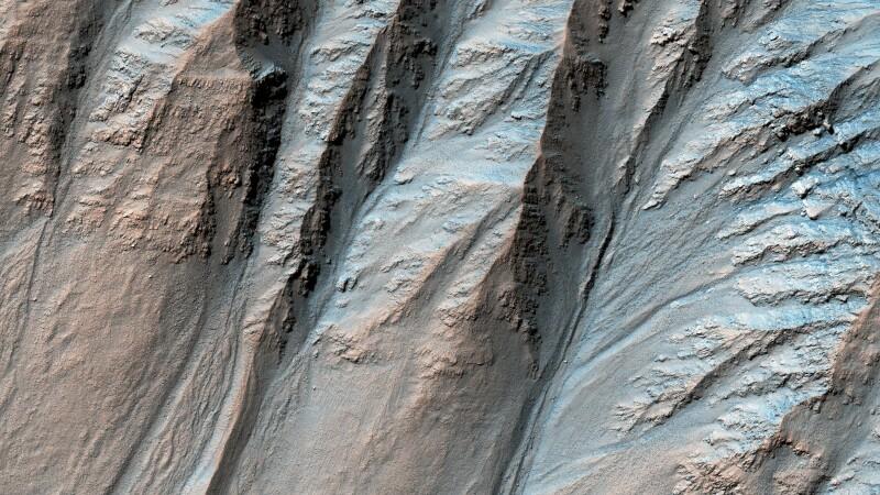 Urmele unor fluvii uriaşe, găsite pe Marte. Au secat