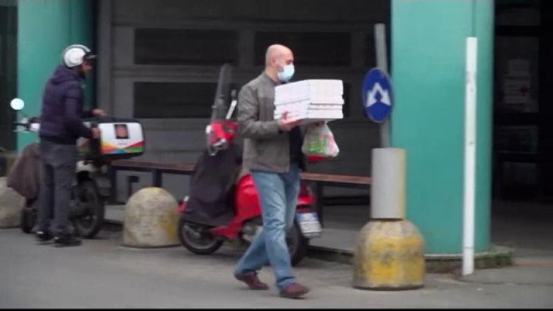Soluția găsită de un italian pentru a oferi medicilor mâncare caldă și gratuită