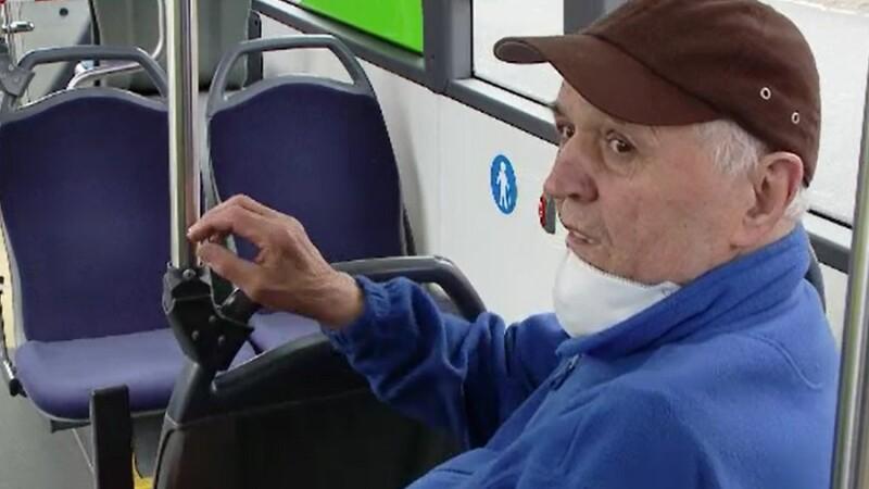 Reacția unui bătrân, prins în autobuz după ora 13.00