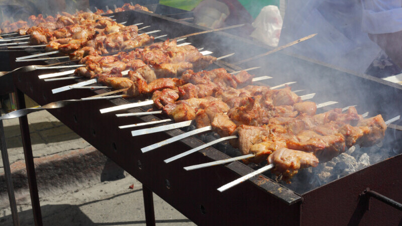 Poliția îi avertizează pe cei care vor face grătare: Nu mai mult de 6 persoane străine în grup