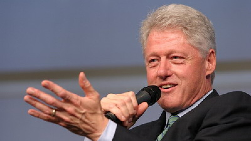 Prezenta prezidentiala! Bill Clinton, actor in The Hangover 2