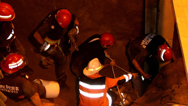Santierul Pasajului Baneasa: trei muncitori prinsi sub pamant!
