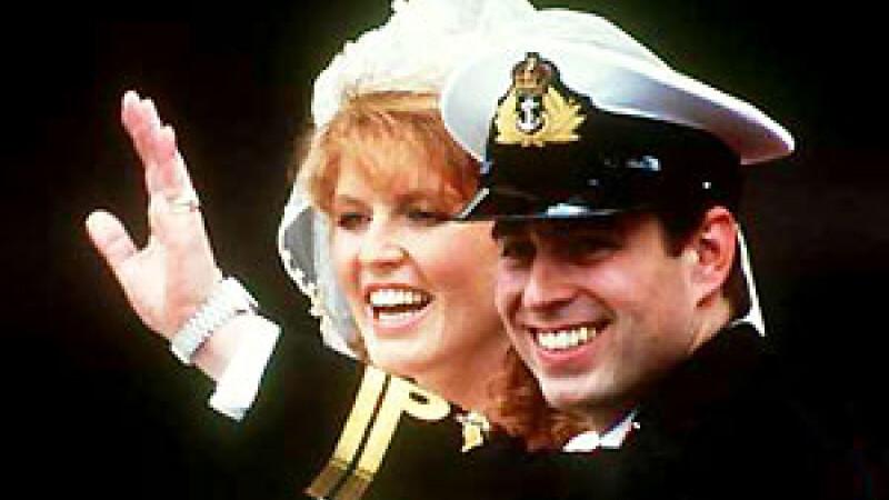 Scandal urias! Sarah Ferguson, ducesa de York, filmata cand cerea mita!