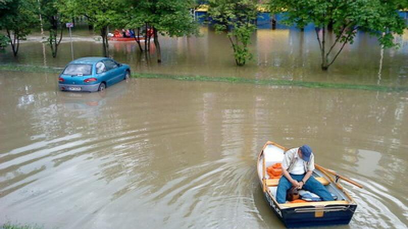 Prapad in Franta. Furtunile si inundatiile au omorat 15 oameni