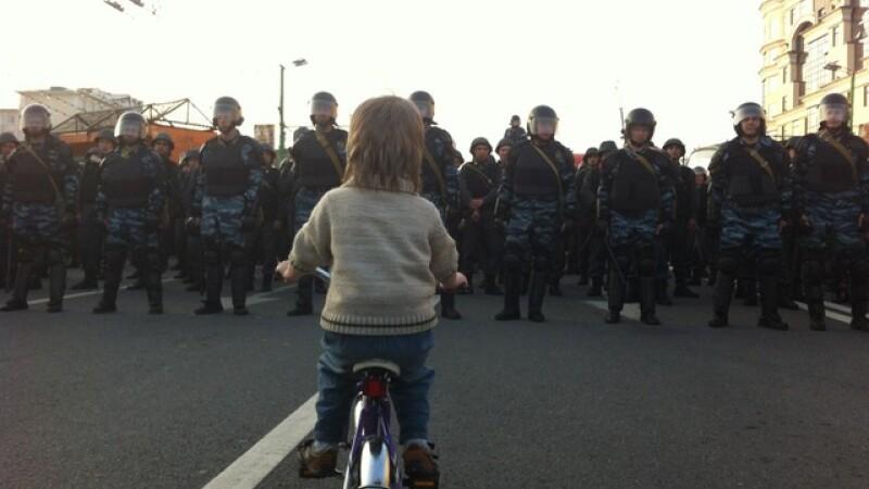 Rusia proteste baietel