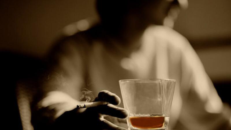 Cum sa bei fara sa te imbeti? Medicamentul care anuleaza efectele alcoolului