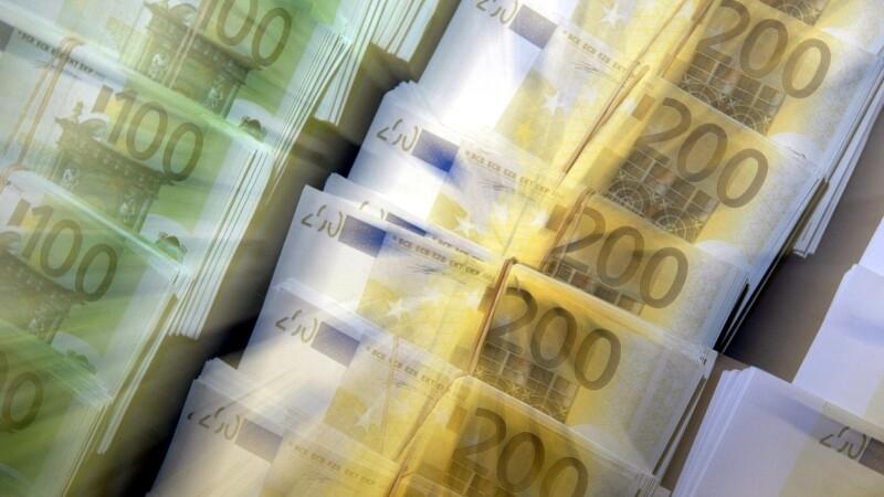 Guvernul va contracta un imprumut preventiv de 1miliard de euro de la Banca Mondiala