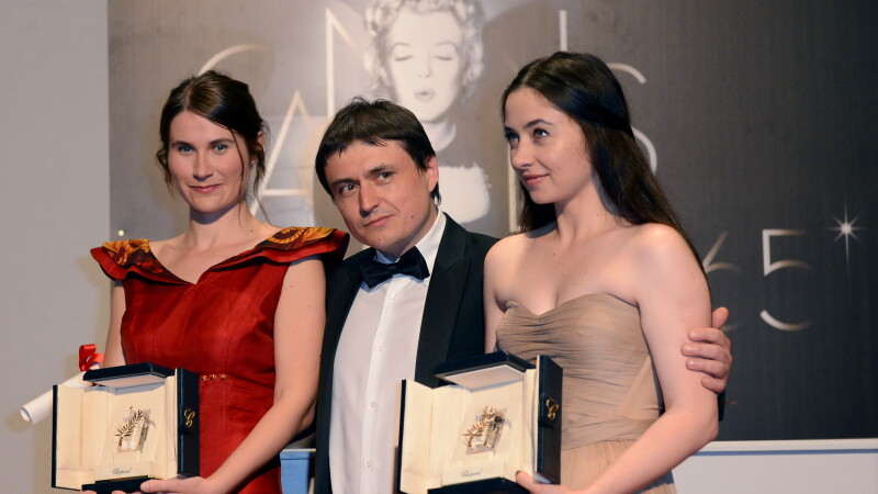 Cosmina Stratan (dreapta), Cristian Mungiu si Cristina Flutur