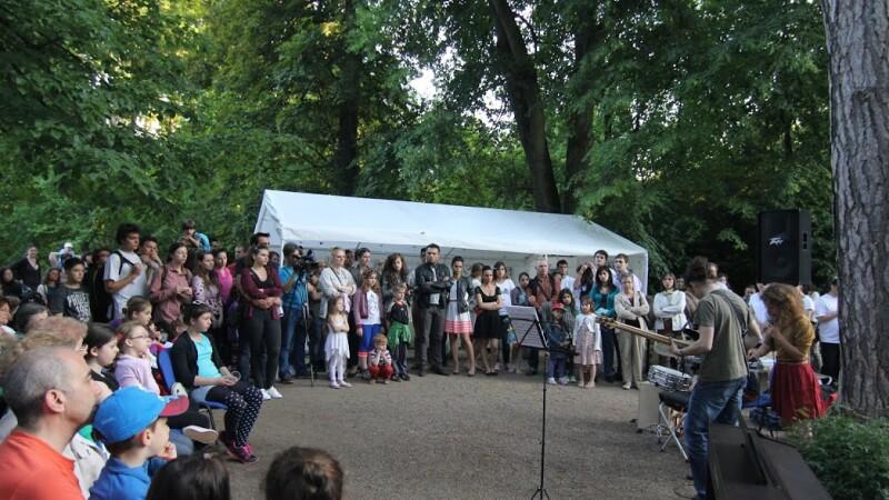 Peste 300 de persoane au participat la Noaptea Privighetorilor de la Gradina Botanica din Cluj-Napoca