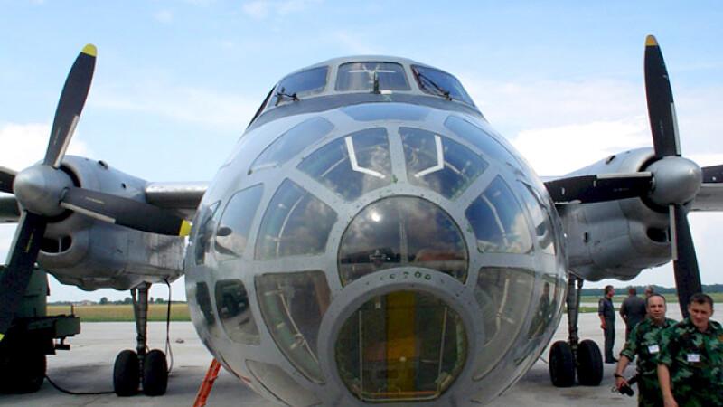 Antonov An-30 romanesc, avion de observare