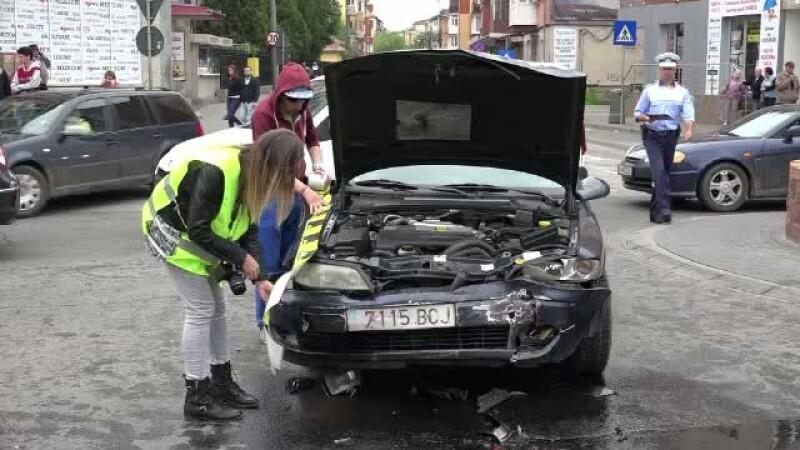 Ambulanta SMURD, implicata intr-un grav accident in Alba Iulia. Soferul vinovat avea permisul de conducere suspendat