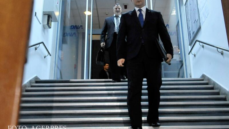 Titus Corlatean paraseste sediul Directiei Nationale Anticoruptie