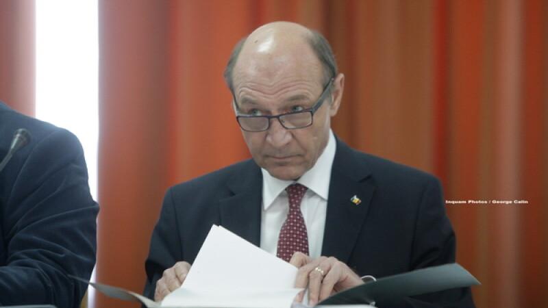 """Băsescu, atac la PSD: """"Doar PCR era deasupra instituţiilor statului. Vă mai amintiţi?"""""""