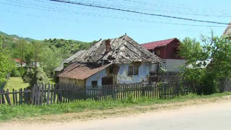 casa neingrijita Arges