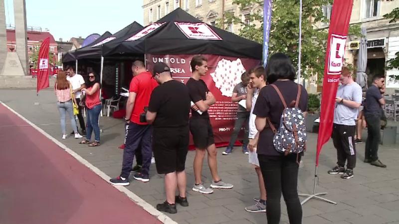 Sute de tineri din Cluj s-au mobilizat și au donat sânge. Gestul lor a fost răsplătit