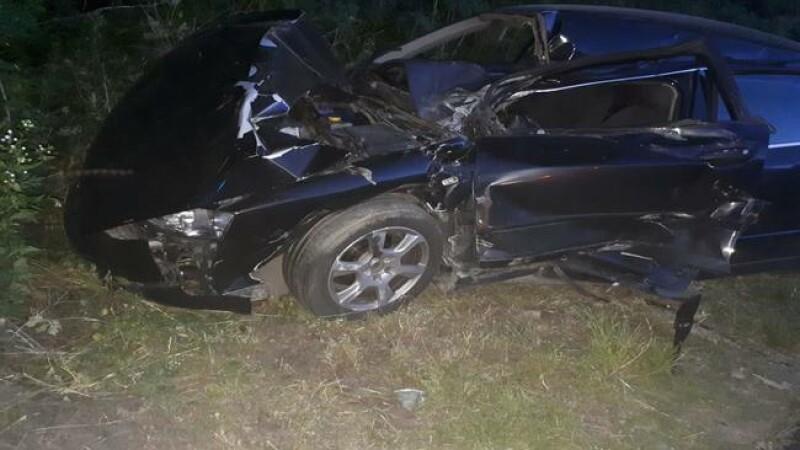 Maşină lovită de tren, în Dâmboviţa. Ce au păţit şoferul şi pasagerul