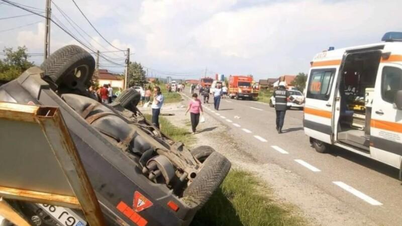 Un pieton a murit, după ce a fost strivit de o mașină implicată într-un accident rutier
