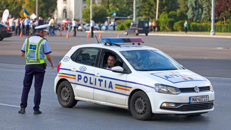 Politist la volan