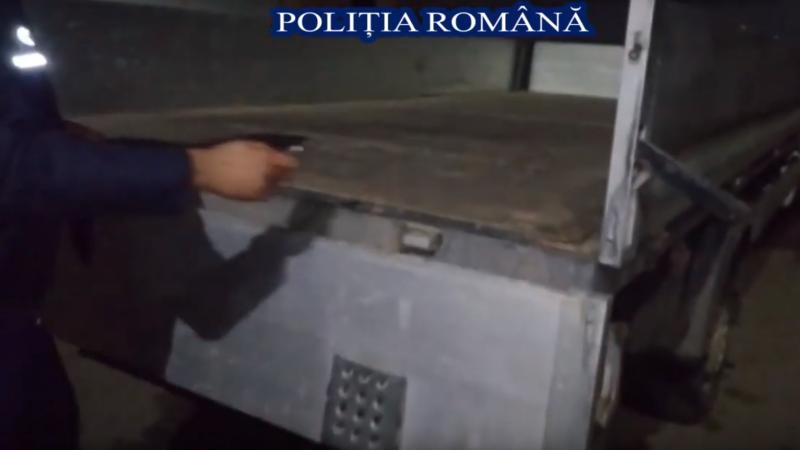 Secretul unui şofer din Moldova. Ce transporta într-o camionetă care părea goală