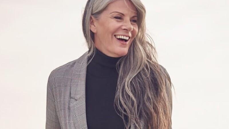 """Secretul unui model de 56 de ani: """"Multe femei spun că se simt invizibile"""". GALERIE FOTO"""