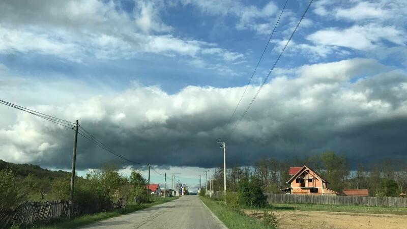 Vreme instabilă cu ploi în majoritatea zonelor. Prognoza pentru următoarele zile