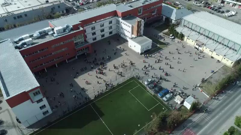 E.U. YES LA VOT. Școala din România modernizată cu fonduri UE devenită etalon în Occident