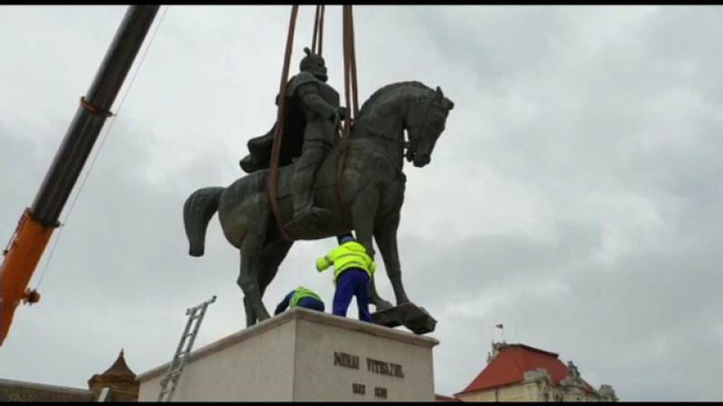 Scandal la Oradea, după ce statuia lui Mihai Viteazul a fost ridicată din piața centrală