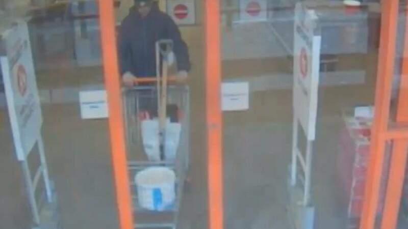 Și-a ucis prietenul cu o sabie, apoi a mers la cumpărături. Cum plănuia să își ascundă fapta