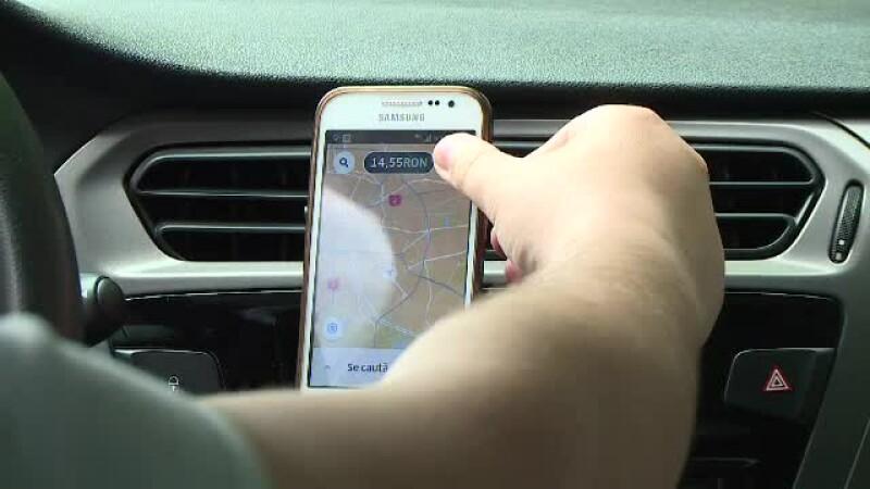 """Polițist filmat cum e nerăbdător să amendeze șoferii Uber. """"Trebuie să-l prind o dată"""""""