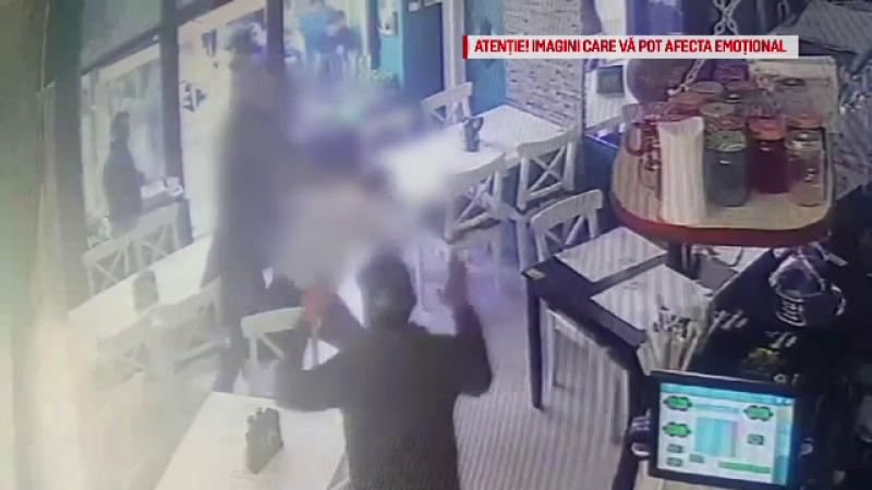 Suporterii a 2 echipe de fotbal s-au luat la bătaie într-un bar din Craiova