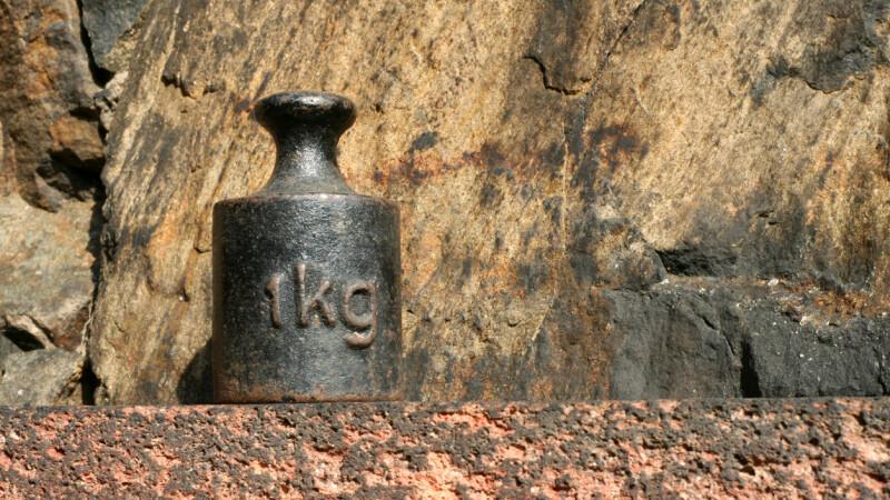 Kilogramul are o nouă definiție mondială. Motivul pentru care era necesară echimbarea