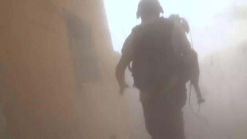 Jurnalişti atacaţi de un tanc al regimului Assad