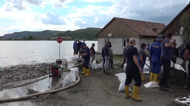 Terenuri agricole distruse și case inundate, în Mureș