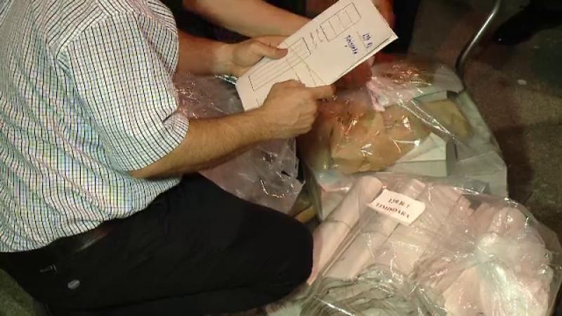Aglomerație la predarea buletinelor de vot