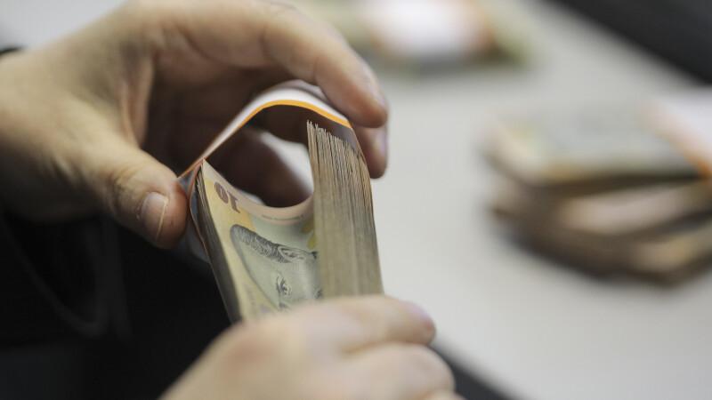 Câte cereri pentru amânarea plății ratelor la credite au primit băncile