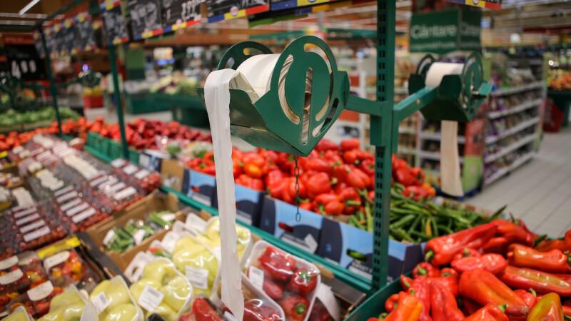 Românii sfidează criza și rămân printre cei mai activi cumpărători din UE